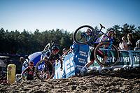 Eli Iserbyt (BEL/Pauwels Sauzen - Bingoal) emerging out of the infamous Zonhoven 'Pit'<br /> <br /> Elite Women's Race<br /> 2021 UCI cyclo-cross World Cup - Zonhoven (BEL)<br /> <br /> ©kramon