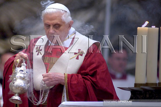 the Saint Padre Benedict XVI will preside, today 2 February, 2007 to the hours 12:00, the Altar of the Chair of the Basilica of Saint Peter, the Esequiale Liturgy of the Cardinal Antonio María Javierre Ortas, S.D.B., emerito Prefetto of the Congregation for the Divine Cult and the Discipline of the Sacramenti, died this morning to Rome, to the age of 85 years.