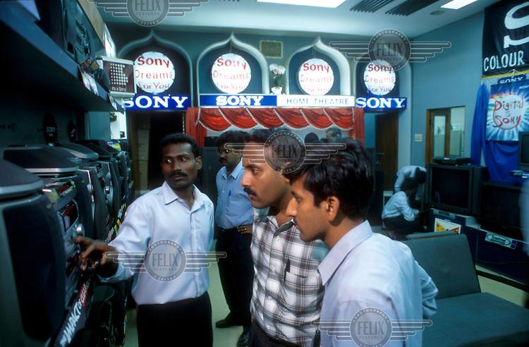 Electronics shop, Bangalore, India...© Chris Stowers/Panos Pictures