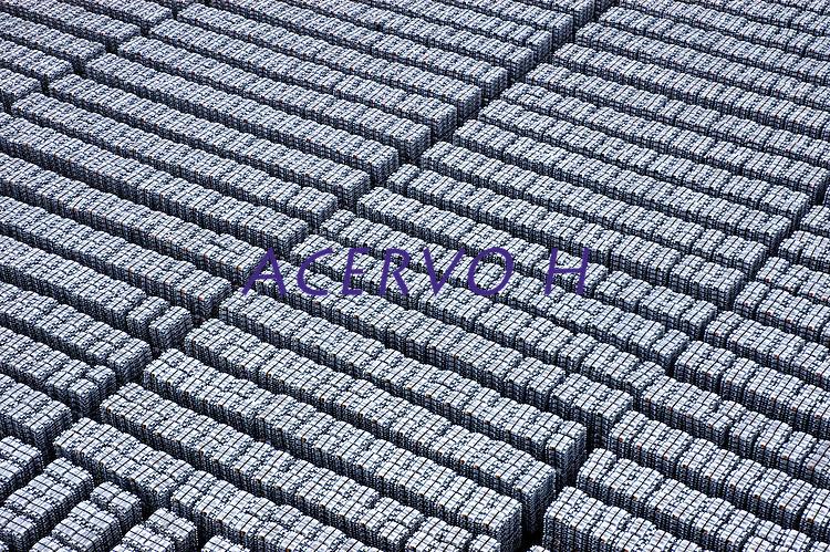Produção de alumínio.<br /> Refinaria da Albras.<br /> Barcarena, Pará, Brasil.<br /> Foto Paulo Santos