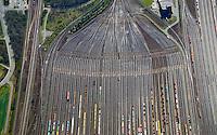 Rangierbahnhof Maschen: EUROPA, DEUTSCHLAND, NIEDERSACHSEN, MASCHEN, (EUROPE, GERMANY), 7.04.2007: Rangierbahnhof Maschen, Der Bahnhof Maschen ist der groesste Rangierbahnhof Europas. Eroeffnet wurde er im Jahre 1977 ,