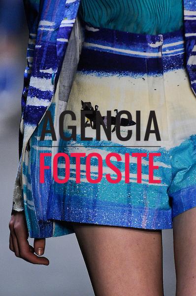 Rio de Janeiro, Brasil – 04/06/2011 - Detalhe do desfile da British Colony durante o Fashion Rio  -  Verão 2012. Foto : Marcelo Soubhia / Agência Fotosite