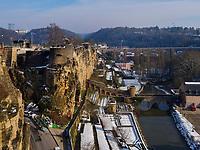 Bock-Kasematten, Brücke Stierchen über Alzette, Teil der Wenzelsmauer, Luxemburg-City, Luxemburg, Europa, UNESCO-Weltkulturerbe<br /> Bock Casemate, Bridge Stierchen and Wenzelsmauer, Luxembourg City, Europe, UNESCO Heritage Site