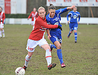 AA Gent Ladies - RAEC Mons : Jassina Blom in duel met Melissa Thil (links).foto Joke Vuylsteke / Vrouwenteam.bee