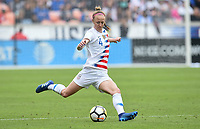 Houston, TX - Sunday April 8, 2018: Becky Sauerbrunn during an International friendly match versus the women's National teams of the United States (USA) and Mexico (MEX) at BBVA Compass Stadium.