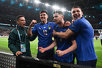 LONDON, ENGLAND - JULY 06: Jorginho of Italy celebrates with teammates Matteo Pessina and Andrea Belotti after scoring the winning penalty in a penalty shoot out  during the UEFA Euro 2020 Championship Semi-final match between Italy and Spain at Wembley Stadium on July 06, 2021 in London, England. (Photo by Shaun Botterill - UEFA/UEFA via Getty Images)<br /> Photo Uefa/Insidefoto ITA ONLY