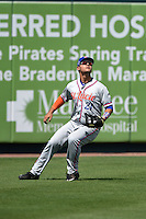 St. Lucie Mets outfielder Michael Conforto (21) tracks a fly ball during a game against the Bradenton Marauders on April 12, 2015 at McKechnie Field in Bradenton, Florida.  Bradenton defeated St. Lucie 7-5.  (Mike Janes/Four Seam Images)