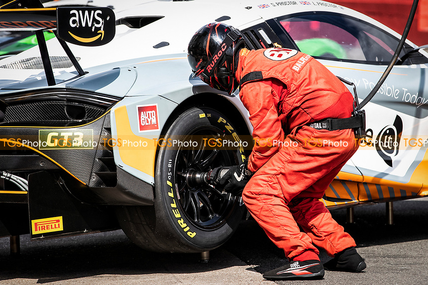 The pit team in action for Stewart Proctor & Lewis Proctor, McLaren 720S GT3, Balfe Motorsport during the British GT & F3 Championship on 11th July 2021