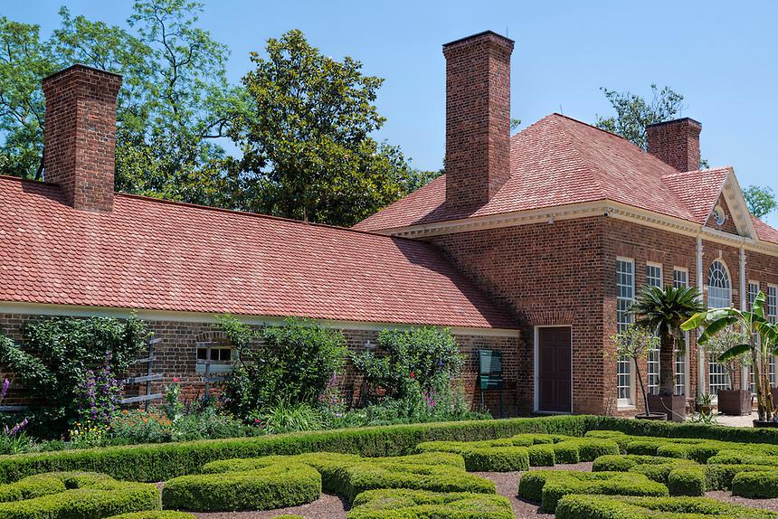 Upper Garden and greenhouse, Mt Vernon, Virginia, USA
