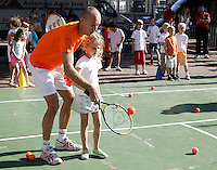 21-9-06,Leiden, Tennis,Daviscup,draw, streettennis with Peter Wessels