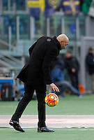 Calcio, Serie A: Roma vs Hellas Verona. Roma, stadio Olimpico, 17 gennaio 2016.<br /> Roma's coach Luciano Spalletti touches the ball during the Italian Serie A football match between Roma and Hellas Verona at Rome's Olympic stadium, 17 January 2016.<br /> UPDATE IMAGES PRESS/Isabella Bonotto