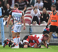 24th September 2021;  Kingsholm Stadium, Gloucester, England; Gallaher Premiership Rugby, Gloucester Rugby versus Leicester Tigers: Jack Clement of Gloucester scores a try