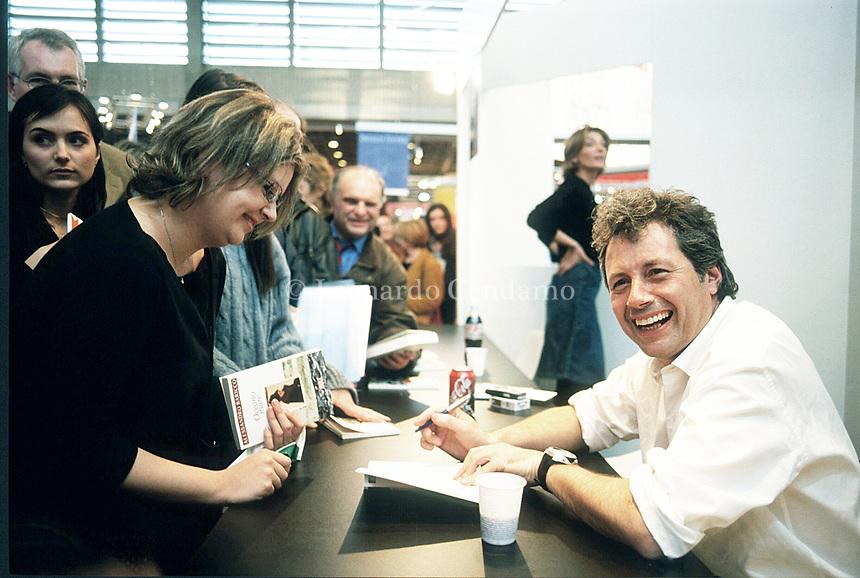 Alessandro Baricco,  è uno scrittore; romanziere; critico musicale, conduttore televisivo italiano, libri, cultura italiana. Parigi 3 aprile 2002. Photo by Leonardo Cendamo/GettyImages