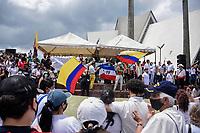 ARMENIA - COLOMBIA, 01-05-2021: Caravanas de manifestantes en la Plaza de Bolívar de la ciudad de Armenia durante la jornada del Día del trabajo en Colombia hoy, 01 de mayode 2021, además se mantiene la protesta por la reforma tributaria que adelanta el gobierno de Ivan Duque además de la precaria situación social y económica que vive Colombia. El paro fue convocado por sindicatos, organizaciones sociales, estudiantes y la oposición y sumando el día del trabano lleva 4 días de marchas y protestas. / Caravans of protesters at Plaza de Bolivar of the city of Armenia during the day of Labor Day in Colombia today, May 1, 2021, in addition, the protest against the tax reform that the government of Ivan Duque is advancing in addition to the precarious situation is maintained. social and economic life in Colombia. The strike was called by unions, social organizations, students and the opposition and adding the day of labor has 4 days of marches and protests. Photo: VizzorImage / Santiago Castro / Cont