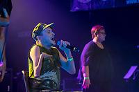 """Hio Hop-Abend """"Kon – fett – i"""" am Donnerstag den 24. August 2018 im Kreuzberger Club SO36 mit dem Rapper, Graf Fidi aus Berlin (im Bild); der Berliner Gebaerden-Rapperin DKN; der Hip-Hop-Kuenstlerin Finna aus Hamburg und dem DJ Team """"Skips and Breaks"""". Die Liveauftritte wurden von Gebaerdendolmetscherinnen uebersetzt.<br /> Ziel der Veranstaltung war es, Kuenstlerinnen und Kuenstler und DJs mit und ohne Behinderung gleichberechtigt eine Buehne zu bieten. Unterstuetzt wurde die Veranstaltung vom Music Board Berlin.<br /> 24.8.2018, Berlin<br /> Copyright: Christian-Ditsch.de<br /> [Inhaltsveraendernde Manipulation des Fotos nur nach ausdruecklicher Genehmigung des Fotografen. Vereinbarungen ueber Abtretung von Persoenlichkeitsrechten/Model Release der abgebildeten Person/Personen liegen nicht vor. NO MODEL RELEASE! Nur fuer Redaktionelle Zwecke. Don't publish without copyright Christian-Ditsch.de, Veroeffentlichung nur mit Fotografennennung, sowie gegen Honorar, MwSt. und Beleg. Konto: I N G - D i B a, IBAN DE58500105175400192269, BIC INGDDEFFXXX, Kontakt: post@christian-ditsch.de<br /> Bei der Bearbeitung der Dateiinformationen darf die Urheberkennzeichnung in den EXIF- und  IPTC-Daten nicht entfernt werden, diese sind in digitalen Medien nach §95c UrhG rechtlich geschuetzt. Der Urhebervermerk wird gemaess §13 UrhG verlangt.]"""