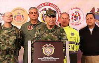 """BOGOTA-COLOMBIA-1-02-2013 .El comandante de las Fuerzas Armadas de Colombia ,general Alejandro Navas durante la conferencia de prensa en el ministerio de defensa nacional donde informó al  país la muerte en combate del jefe guerrillero del quinto frente de  las FARC ,alias """"Jacobo Arango"""" y seis guerrilleros más en el departamento de Córdoba. (Foto/VizzorImage / Felipe Caicedo / Staff). BOGOTA-COLOMBIA-1-02-2013. Commander of the Armed Forces of Colombia, General Alejandro Navas during the press conference at the Ministry of Defence where the country reported the death in combat of guerrilla leader of the fifth against the FARC , alias """"Jacobo Arango"""" and six other guerrillas in the department of Cordoba. ., (Photo / VizzorImage / Felipe Caicedo / Staff)."""