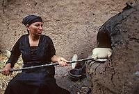 Afrique/Egypte/Env de Louxor/Ancienne Thèbes: Cuisson du pain