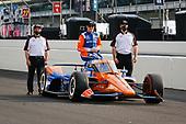 #9: Scott Dixon, Chip Ganassi Racing Honda Front Row Portraits