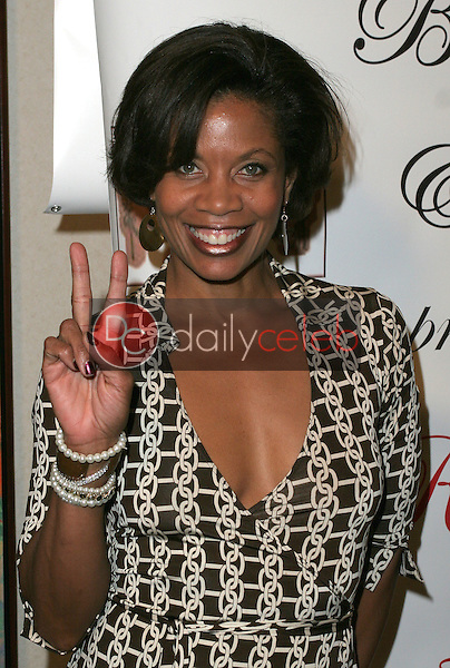 J. Karen Thomas<br /> at the 1st Annual Read To Succeed Literary Gala, Renaissance Hollywood Hotel, Hollywood, CA. 11/11/06<br /> Marty Hause/DailyCeleb.com 818-249-4998
