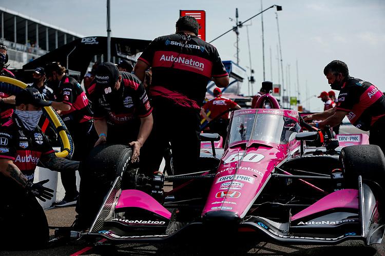 #60: Jack Harvey, Meyer Shank Racing Honda, crew members