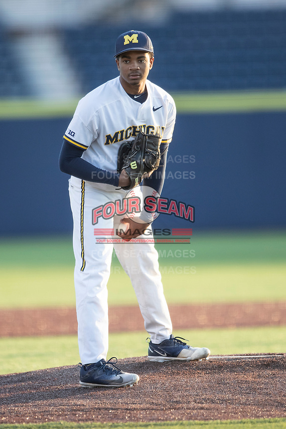 Michigan Wolverines pitcher Angelo Smith (40) looks to his catcher for the sign against the Western Michigan Broncos on March 18, 2019 in the NCAA baseball game at Ray Fisher Stadium in Ann Arbor, Michigan. Michigan defeated Western Michigan 12-5. (Andrew Woolley/Four Seam Images)