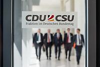 Mitglieder der CSU, nach waehrend einer ausserordentlichen Sitzung der CDU/CSU-Fraktion nachdem es zwischen der CDU und der CSU zum Streit ueber den Umgang mit Fluechtlingen gab. Die Sitzung des Deutschen Bundestag wurde aufgrund dieses Streit auf Antrag der CDU/CSU-Fraktion fuer mehrere Stunden unterbrochen. Die Fraktionen von CDU und CSU tagten getrennt.<br /> 14.6.2018, Berlin<br /> Copyright: Christian-Ditsch.de<br /> [Inhaltsveraendernde Manipulation des Fotos nur nach ausdruecklicher Genehmigung des Fotografen. Vereinbarungen ueber Abtretung von Persoenlichkeitsrechten/Model Release der abgebildeten Person/Personen liegen nicht vor. NO MODEL RELEASE! Nur fuer Redaktionelle Zwecke. Don't publish without copyright Christian-Ditsch.de, Veroeffentlichung nur mit Fotografennennung, sowie gegen Honorar, MwSt. und Beleg. Konto: I N G - D i B a, IBAN DE58500105175400192269, BIC INGDDEFFXXX, Kontakt: post@christian-ditsch.de<br /> Bei der Bearbeitung der Dateiinformationen darf die Urheberkennzeichnung in den EXIF- und  IPTC-Daten nicht entfernt werden, diese sind in digitalen Medien nach ß95c UrhG rechtlich geschuetzt. Der Urhebervermerk wird gemaess ß13 UrhG verlangt.]