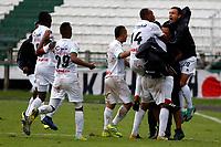 MANIZALES-COLOMBIA, 20-04-2019: Jugadores de Once Caldas, celebran el gol tercer anotado Independiente Santa Fe, durante partido de la fecha 17 entre Once Caldas y La Equidad, por la Liga Águila I 2019, jugado en el estadio Palogrande de la ciudad de Manizales. / Players of Once Caldas celebrate the third scored goal to La Equidad, during a match of the 17th date between Once Caldas and La Equidad, for the Aguila Leguaje I 2019 played at the Palogrande stadium in Manizales city. / Photo: VizzorImage / Santiago Osorio / Cont.
