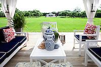 outdoor white furniture