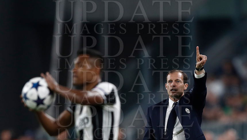 Football Soccer: UEFA Champions UEFA Champions League quarter final first leg Juventus-Barcellona, Juventus stadium, Turin, Italy, April 11, 2017. <br /> Juventus coach Massimiliano Allegri gestures to his players during the Uefa Champions League football match between Juventus and Barcelona at the Juventus stadium, on April 11 ,2017.<br /> UPDATE IMAGES PRESS/Isabella Bonotto