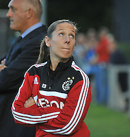 20130830 - VARSENARE , BELGIUM : Ajax Physio Eva Blewanus pictured during the female soccer match between Club Brugge Vrouwen and Ajax Amsterdam Dames , of the first matchday in the BENELEAGUE competition. Friday 30 August 2013. PHOTO DAVID CATRY