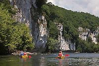 Europe/Europe/France/Midi-Pyrénées/46/Lot/Lacave: Descente de la vallée de la Dordogne en canoé, [Autorisation : 2011-101] [Autorisation : 2011-102] [Autorisation : 2011-103] [Autorisation : 2011-104] [Autorisation : 2011-105]