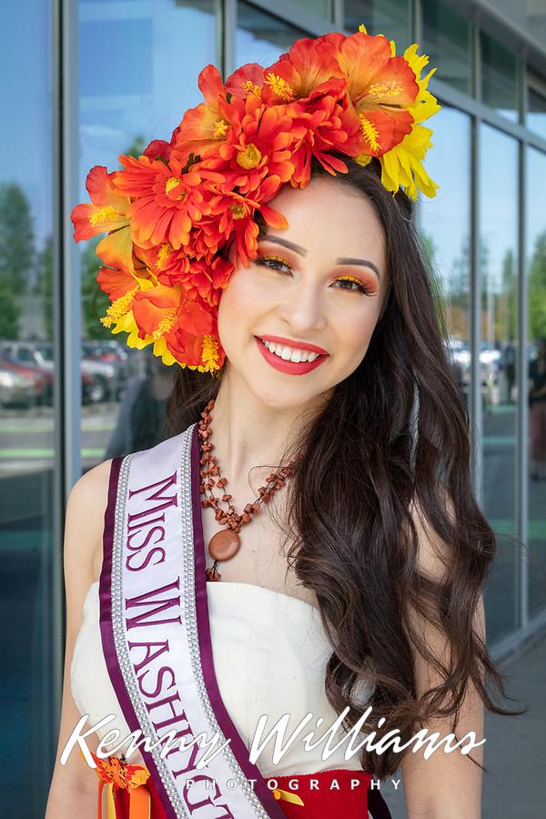 Edith Gonzalez, Miss Washington Latina, Kent International Festival, Kent, WA, USA.
