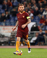 Calcio, Serie A: Roma vs Palermo. Roma, stadio Olimpico, 23 ottobre 2016.<br /> Roma's Daniele De Rossi in action during the Italian Serie A football match between Roma and Palermo at Rome's Olympic stadium, 23 October 2016. Roma won 4-1.<br /> UPDATE IMAGES PRESS/Riccardo De Luca