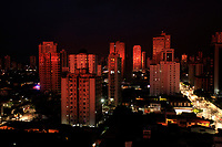 O sol nasce na rua dos mundurucus bairrto da cremação.<br />Belém, Pará, Brasil<br />Foto Paulo Santos
