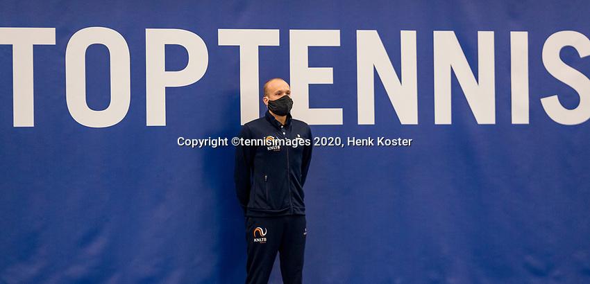 Amstelveen, Netherlands, 12  December, 2020, National Tennis Center, NTC, NKR, National   Indoor Wheelchair Tennis Championships, Women's single Final :   Linesman<br /> Photo: Henk Koster/tennisimages.com