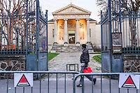 """FRANKREICH, 26.11.2015, Paris.  Der Vorort-Bezirk Saint-Denis ist gepraegt durch seine vielen muslimischen Zuwanderer. Hier liegt das """"Stade de France"""", einer der Orte der Terroranschlaege vom 13.11 und hier lieferte sich die Polizei die schwere Schiesserei mit einigen der beteiligten Islamisten am 18.11. - Kunst- und Geschichtsmuseum.   The suburban district of Saint-Denis is characterized by its dense muslim immigrant population. Here """"Stade de France"""" is located, one of the places of the Paris terrorist attacks on Nov. 13 and here the police had a heavy shootout with some of the islamists involved on Nov. 18. - Museum of art and history.<br /> � Arturas Morozovas/EST&OST"""