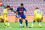 Luis Alberto Suarez Diaz of FC Barcelona (C) fights for the ball with Ximo Navarro Jimenez (R) and Borja Herrera Gonzalez of UD Las Palmas (L) during the La Liga 2017-18 match between FC Barcelona and Las Palmas at Camp Nou on 01 October 2017 in Barcelona, Spain. (Photo by Vicens Gimenez / Power Sport Images