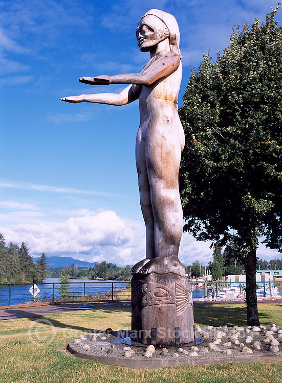 Port Alberni, Vancouver Island, BC, British Columbia, Canada - Nuu-Chah-Nulth Welcome Figure Totem Pole