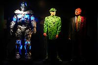 (DE GAUCHE A DROITE) MR. FREEZE, COSTUME PORTE PAR ARNOLD SCHWARZENEGGER, BATMAN ET ROBIN, 1997 - L'HOMME MYSTERE, COSTUME PORTE PAR JIM CARREY, BATMAN FOREVER, 1995 - DOUBLE-FACE, COSTUME PORTE PAR TOMMY LEE JONES, BATMAN FOREVER, 1995 - EXPOSITION DC COMICS 'L'AUBE DES SUPER-HEROS' A ART LUDIQUE-LE MUSEE, PARIS, FRANCE, LE 31/03/2017.