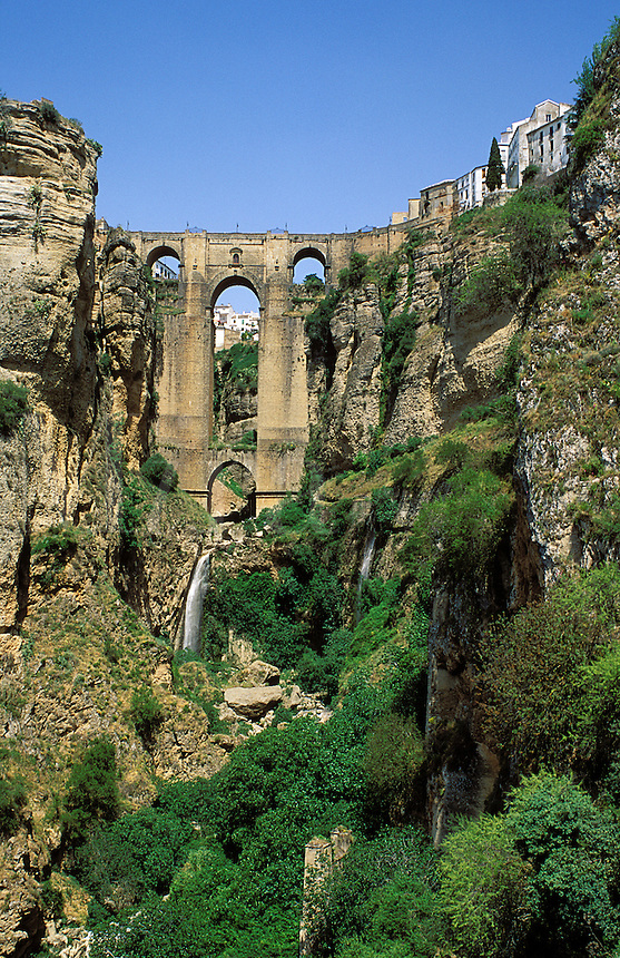Spain. Andalucia/Andalusia.  Ronda. Puente Nuevo.  Bridge over Guadalevin Gorge which separates the town into two, the Ciudad, or Old Town, and the Mercadillo.