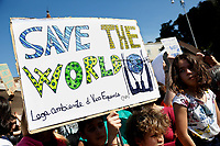 Banners save the world<br /> Rome April 19th 2019. Fridays for Future Climate Strike in Rome, Piazza del Popolo.<br /> photo di Samantha Zucchi/Insidefoto