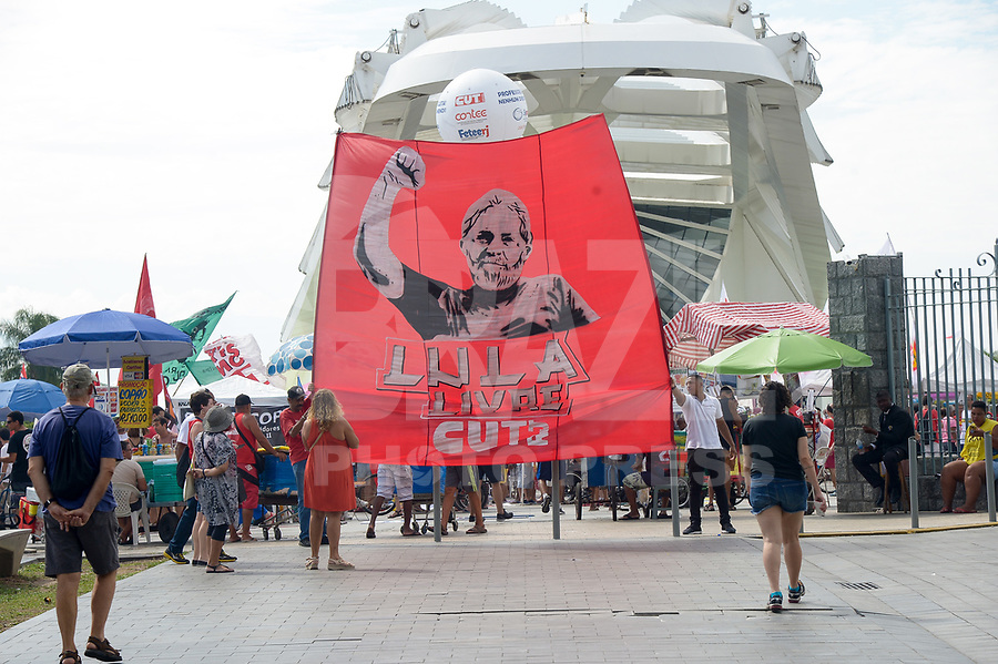 RIO DE JANEIRO, RJ, 01.05.2019 - Centrais sindicais fazem comemoração do Dia do Trabalhador na Praça Mauá no Rio de Janeiro, nesta quarta-feira, 01. (Foto: Clever Felix/Brazil Photo Press)
