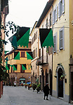 ITA, Italien, Marken, Camerino: Altstadtgasse   ITA, Italy, Marche, Camerino: olt town lane