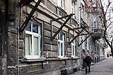 Haus in dem Karol Gierlinski jetzt lebt und arbeitet, Rettung vor der Vernichtung, Romni Noncia rettete über 50 Kinder vor der Ermordung durch die Nazis, unter anderem Karol Parno Gierlinski.