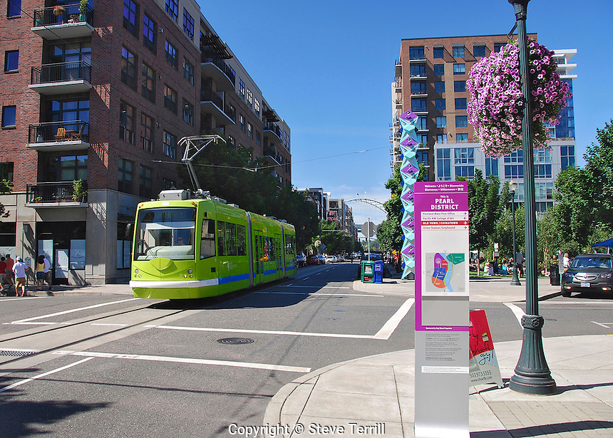 USA, Oregon, Streetcar in the Pearl District of NW Portland.