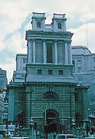 Nicholas Hawksmoor: St. Mary Woolnoth, King William St., London 1716-27. Photo '87.