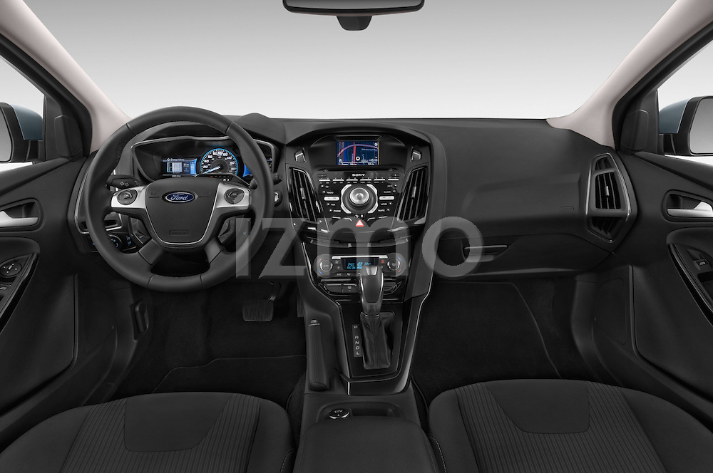 Stock photo of straight dashboard view of a 2014 Ford FOCUS 5P 107kW Electric 142 ch 5 Door Hatchback 2WD Dashboard