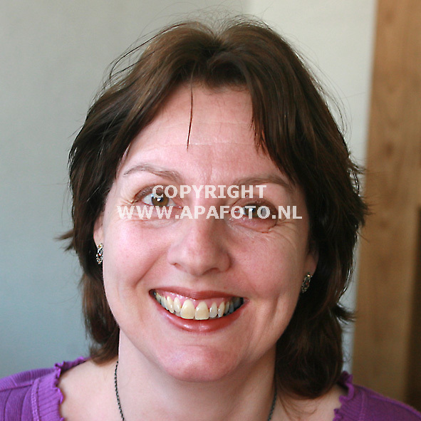 Varseveld 160407 Lactatiedeskundige Marjo Stapelbroek <br /> Foto frans Ypma APA-foto