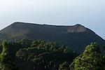 Spain, Canary Islands, La Palma, view at vulcano San Antonio near village Los Canarios Fuencaliente, tourists at rim of crater