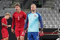 Jannik Vestergaard (Dänemark, Denmark), Torwart Kasper Schmeichel (Dänemark, Denmark) - Innsbruck 02.06.2021: Deutschland vs. Daenemark, Tivoli Stadion Innsbruck